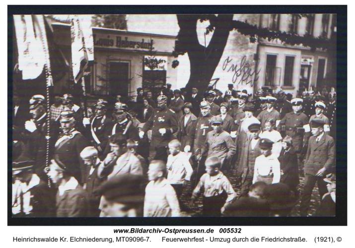 Heinrichswalde, Feuerwehrfest - Umzug durch die Friedrichstraße