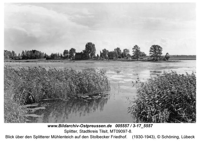 Tilsit-Splitter, Blick über den Splitterer Mühlenteich auf den Stolbecker Friedhof