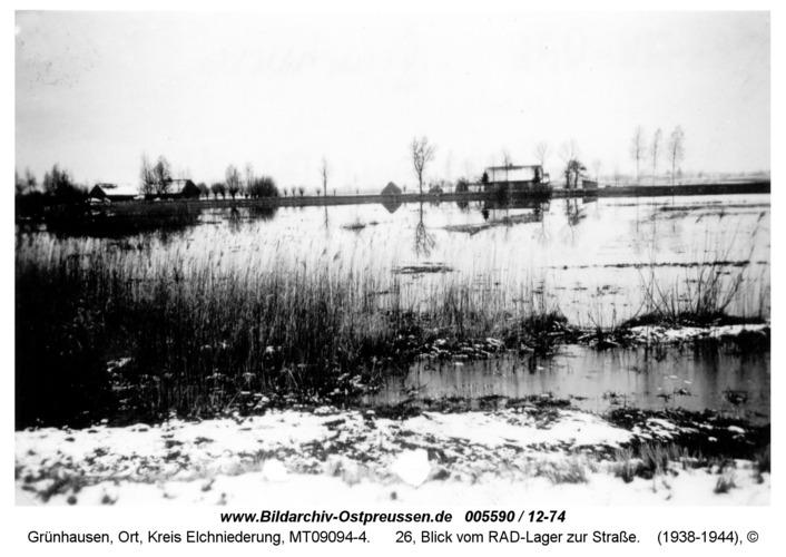 Grünhausen, 26, Blick vom RAD-Lager zur Straße