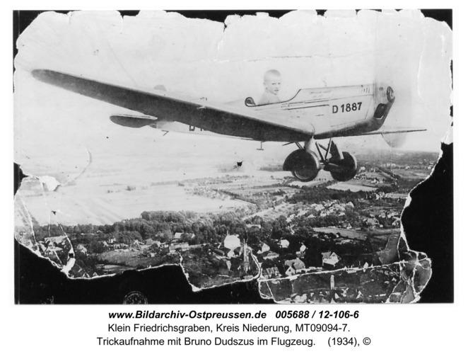 Klein Friedrichsgraben, Trickaufnahme mit Bruno Dudszus im Flugzeug