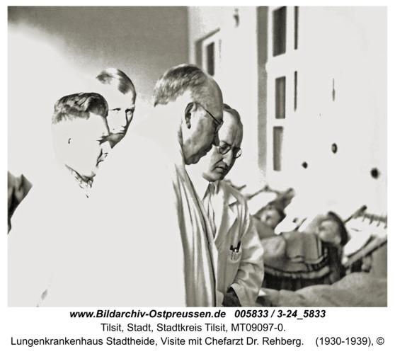 Tilsit, Lungenkrankenhaus Stadtheide, Visite mit Chefarzt Dr. Rehberg