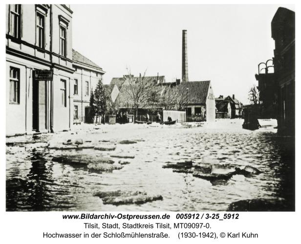 Tilsit, Hochwasser in der Schloßmühlenstraße