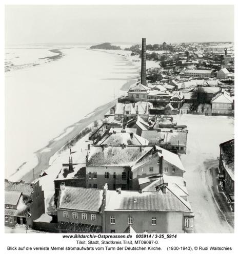 Tilsit, Blick auf die vereiste Memel stromaufwärts vom Turm der Deutschen Kirche