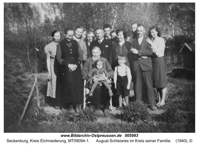 Seckenburg, August Schleiwies im Kreis seiner Familie