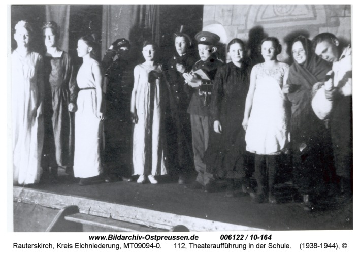 Rauterskirch, 112, Theateraufführung in der Schule