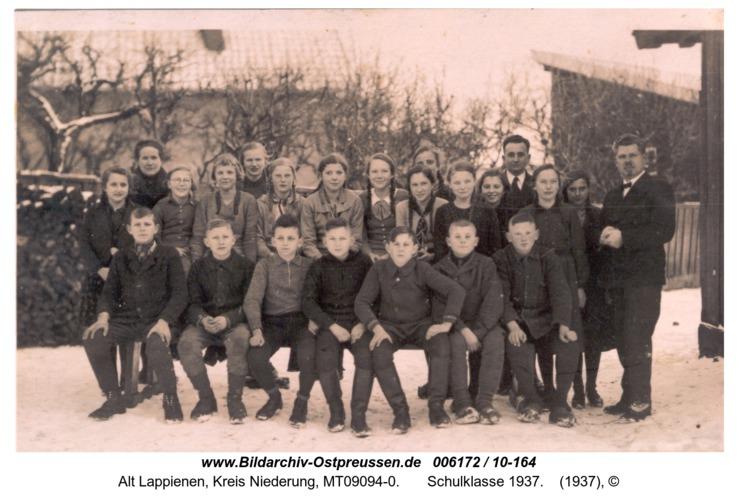 Rauterskirch,  Schulklasse 1937