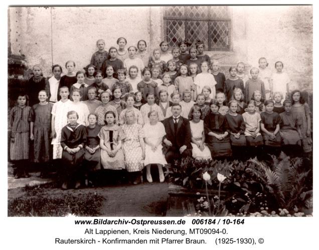 Rauterskirch - Konfirmanden mit Pfarrer Braun
