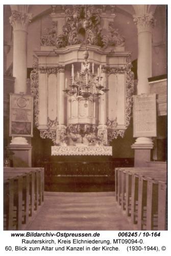 Rauterskirch, 60, Blick zum Altar und Kanzel in der Kirche