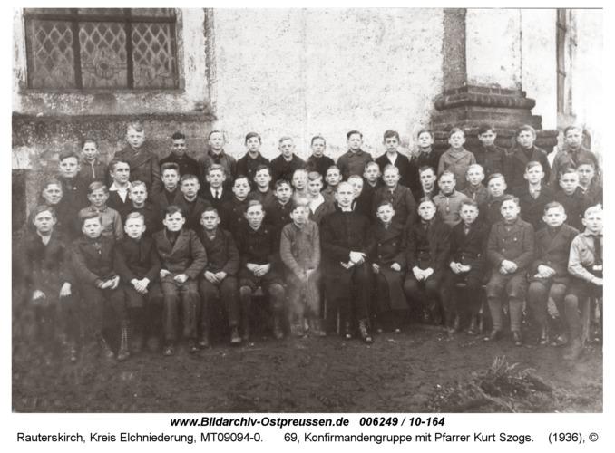 Rauterskirch, 69, Konfirmandengruppe mit Pfarrer Kurt Szogs