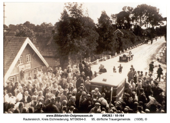 Rauterskirch, 95, dörfliche Trauergemeinde