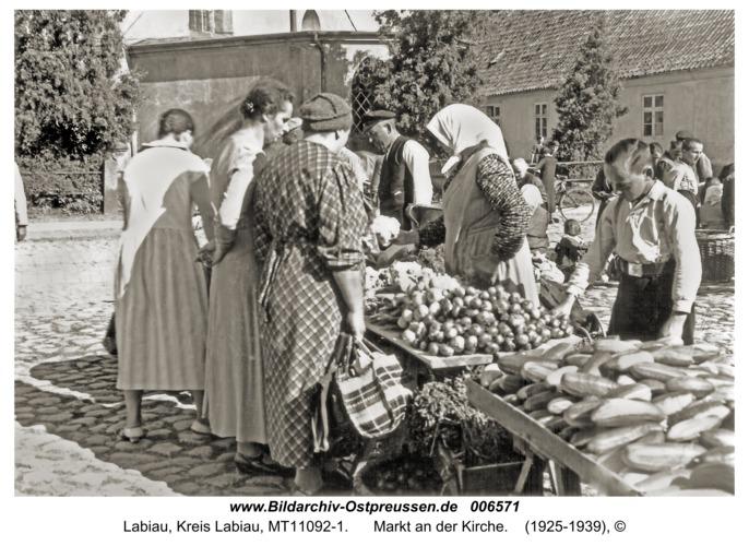 Labiau, Markt an der Kirche