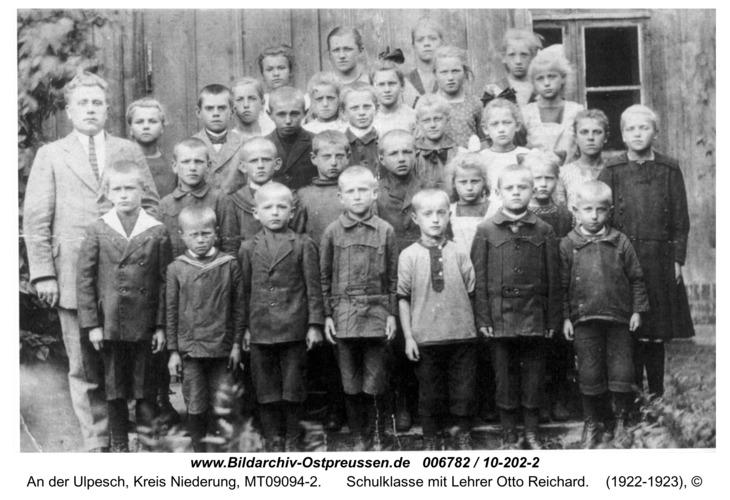 Tranatenberg, Schulklasse mit Lehrer Otto Reichard