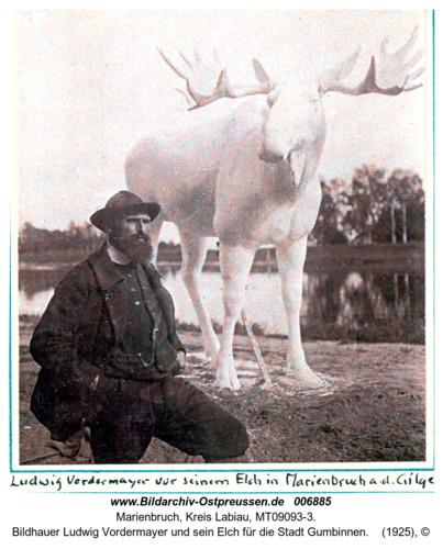 Marienbruch a.d.Gilge, Bildhauer Ludwig Vordermayer und sein Elch für die Stadt Gumbinnen