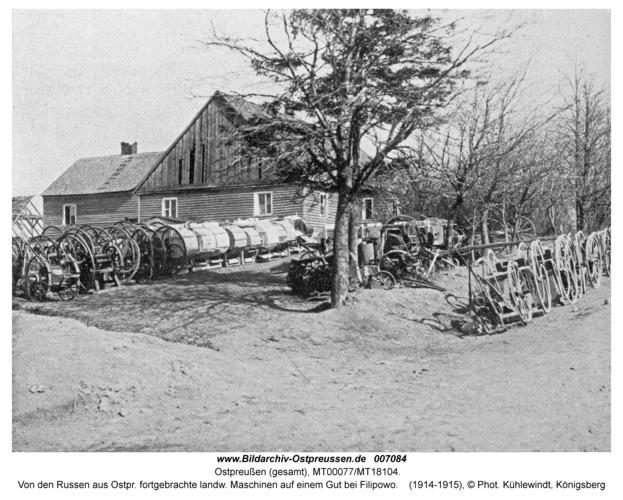 Filipowo, Von den Russen aus Ostpr. fortgebrachte landw. Maschinen auf einem Gut bei Filipowo