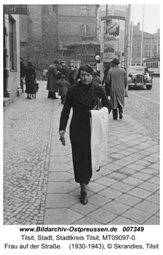 Tilsit, Frau auf der Straße