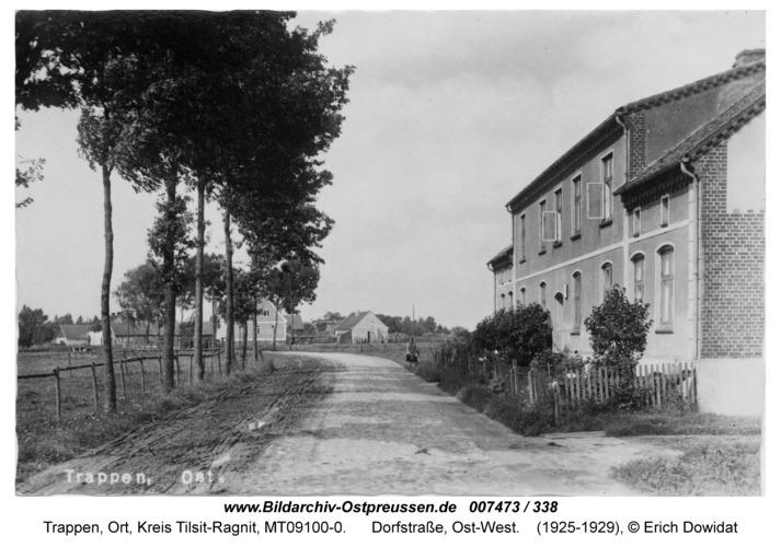 Trappen-Ost, Dorfstraße, Ost-West