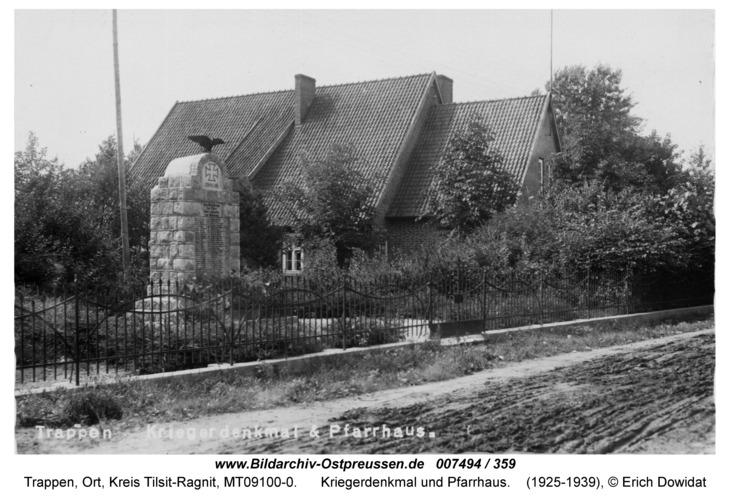 Trappen, Kriegerdenkmal und Pfarrhaus