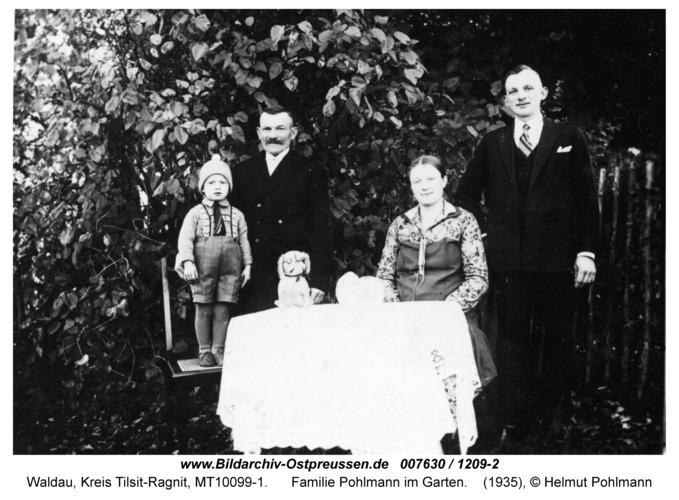 Waldau, Familie Pohlmann im Garten