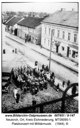 Neukirch 56, Platzkonzert mit Militärmusik