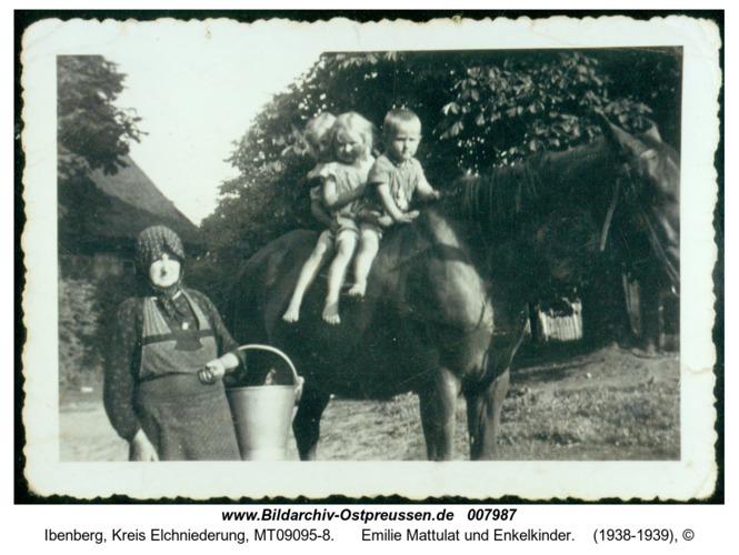 Ibenberg, Emilie Mattulat und Enkelkinder