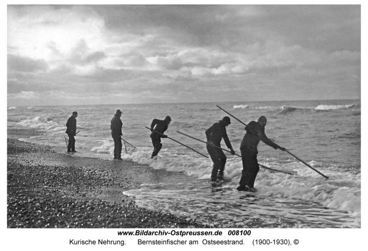 Kurische Nehrung, Bernsteinfischer am Ostseestrand