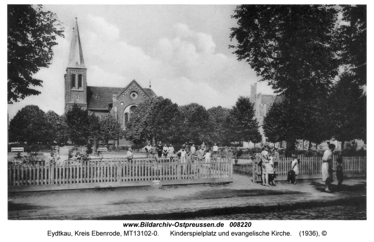 Eydtkau, Kinderspielplatz und evangelische Kirche