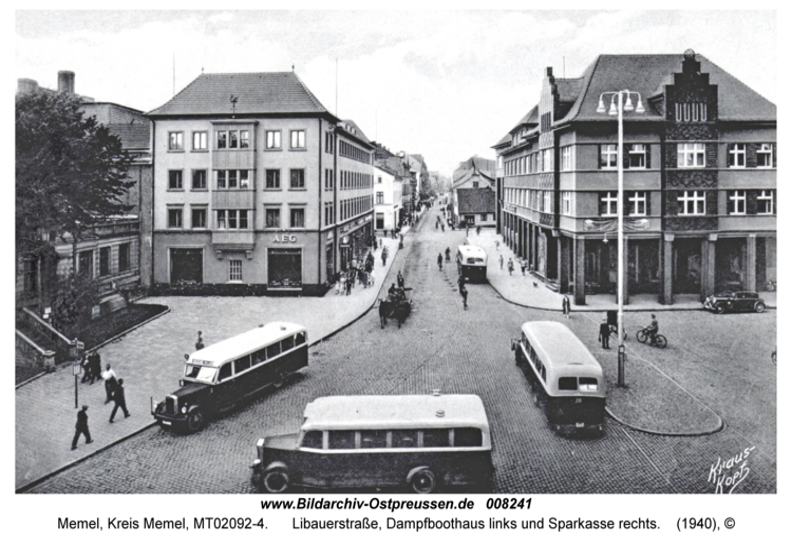 Memel, Libauerstraße, Dampfboothaus links und Sparkasse rechts