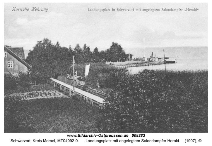 Schwarzort, Landungsplatz mit angelegtem Salondampfer Herold