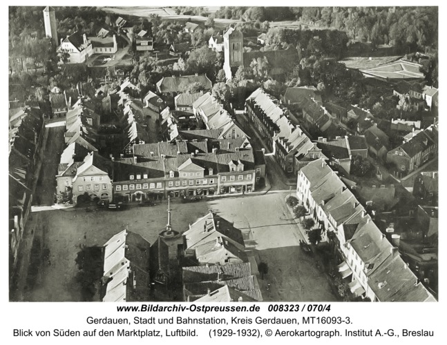 Gerdauen, Blick von Süden auf den Marktplatz, Luftbild