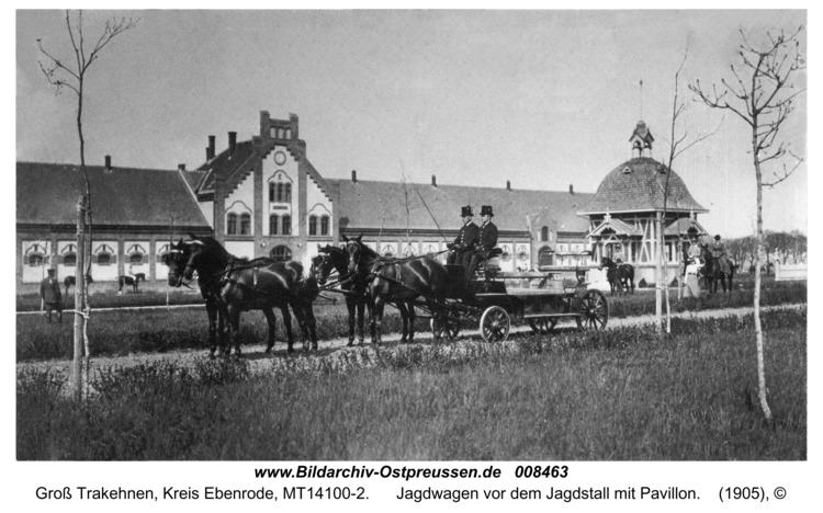 Groß Trakehnen, Jagdwagen vor dem Jagdstall mit Pavillon