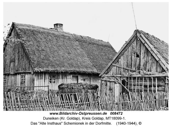 """Duneiken, Das """"Alte Insthaus"""" Schemionek in der Dorfmitte"""