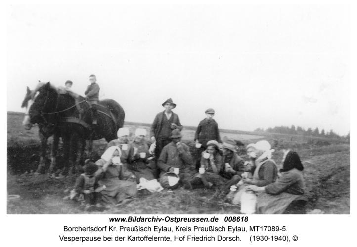 Borchertsdorf, Vesperpause bei der Kartoffelernte, Hof Friedrich Dorsch