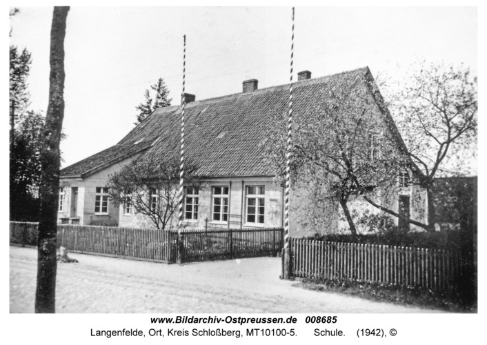Langenfelde, Schule