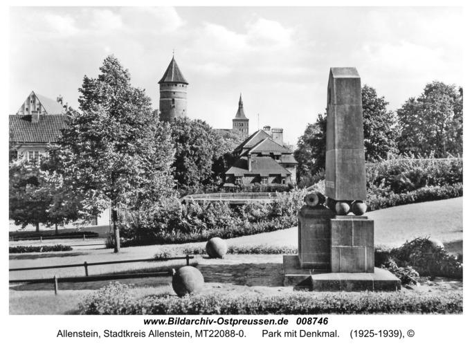 Allenstein, Park mit Denkmal