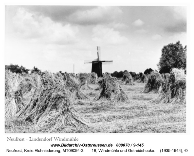 Neufrost/ Lindendorf, 18, Windmühle und Getreidehocke