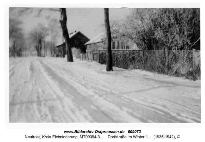 Neufrost, Dorfstraße im Winter 1