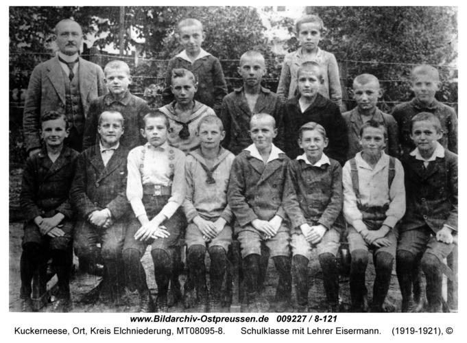 Kuckerneese, Schulklasse mit Lehrer Eisermann