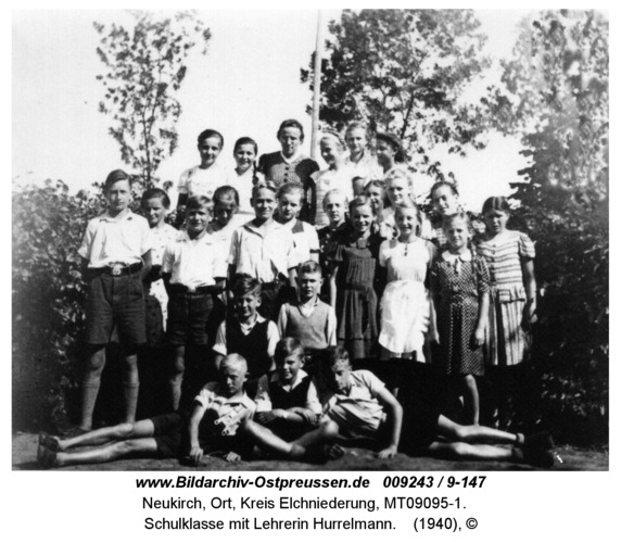 Neukirch, Schulklasse mit Lehrerin Hurrelmann
