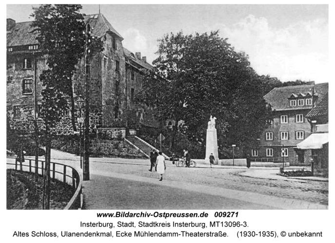 Insterburg, Altes Schloss, Ulanendenkmal, Ecke Mühlendamm-Theaterstraße
