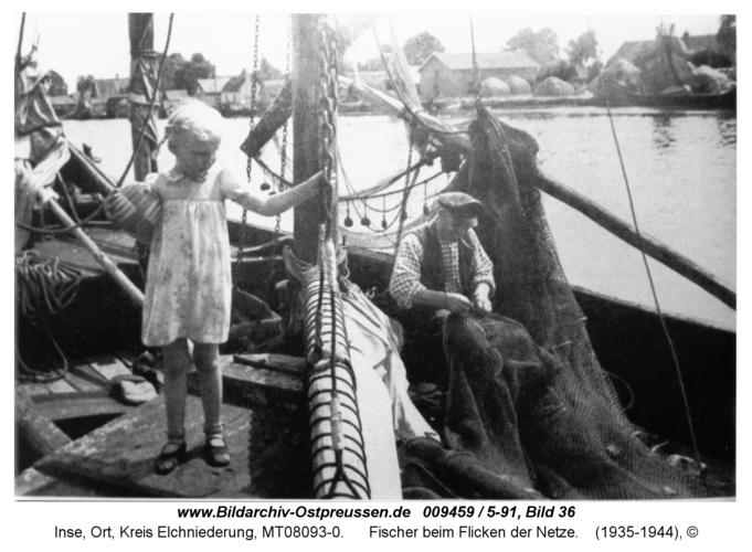 Inse, Fischer beim Flicken der Netze