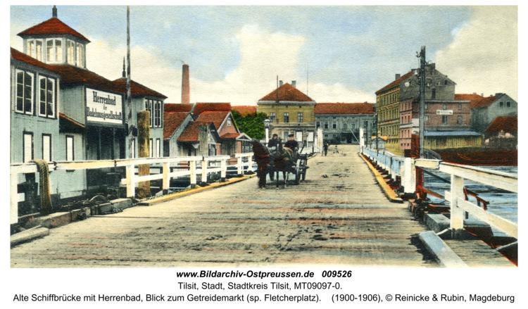 Tilsit, Alte Schiffbrücke mit Herrenbad, Blick zum Getreidemarkt (sp. Fletcherplatz)