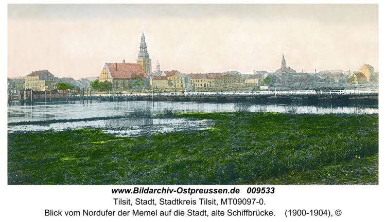 Tilsit, Blick vom Nordufer der Memel auf die Stadt, alte Schiffbrücke