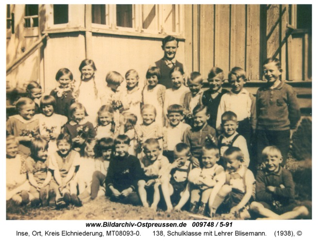 Inse, 138, Schulklasse mit Lehrer Blisemann