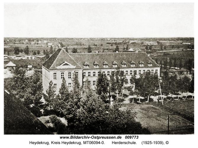 Heydekrug, Herderschule