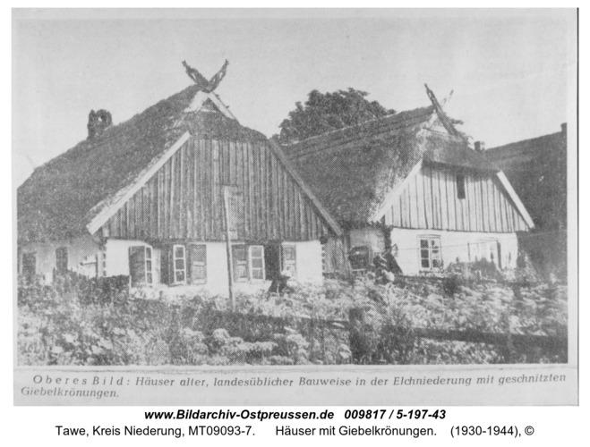 Tawe, Häuser mit Giebelkrönungen