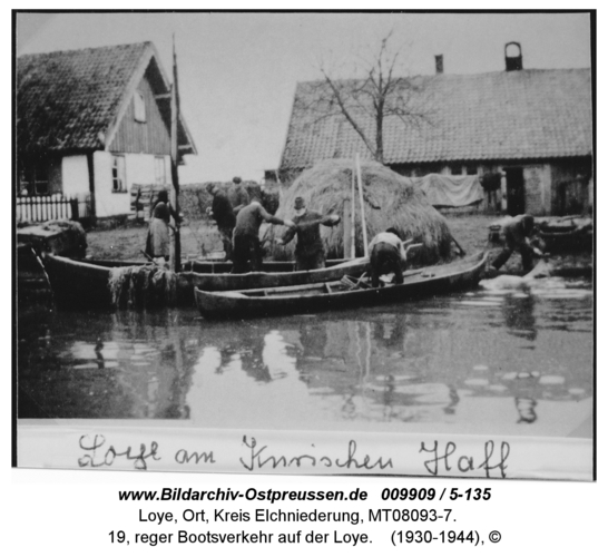Loye, 19, reger Bootsverkehr auf der Loye