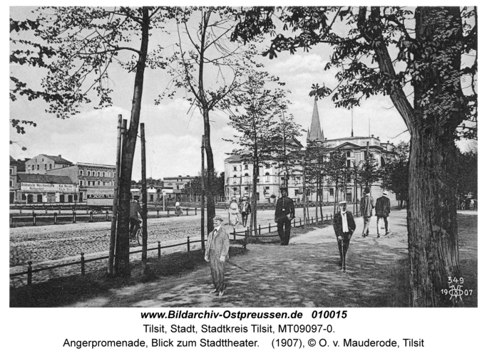 Tilsit, Angerpromenade, Blick zum Stadttheater