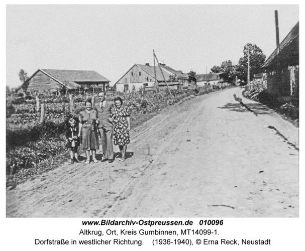 Altkrug, Dorfstraße in westlicher Richtung