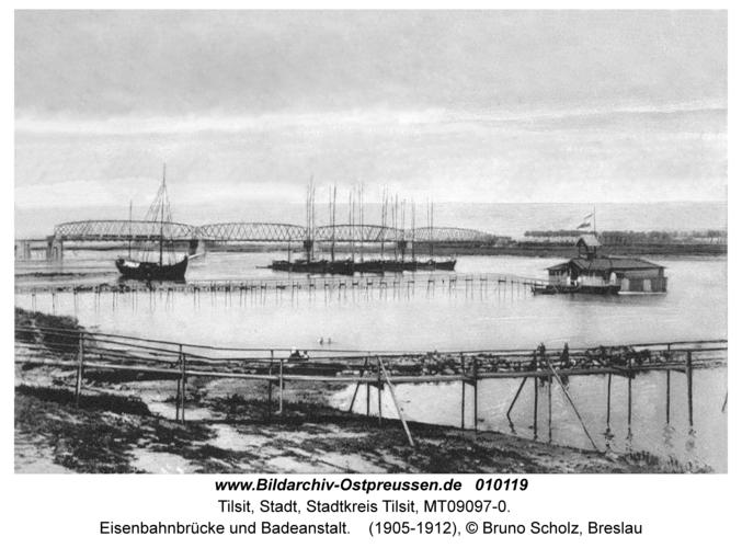 Tilsit, Eisenbahnbrücke und Badeanstalt