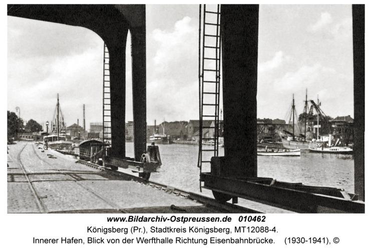 Königsberg, Innerer Hafen, Blick von der Werfthalle Richtung Eisenbahnbrücke